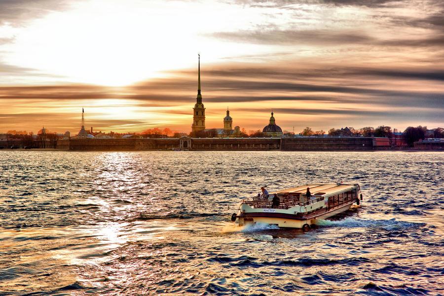 Sun set at Saint-Petersburg, Peter and Paul fortress