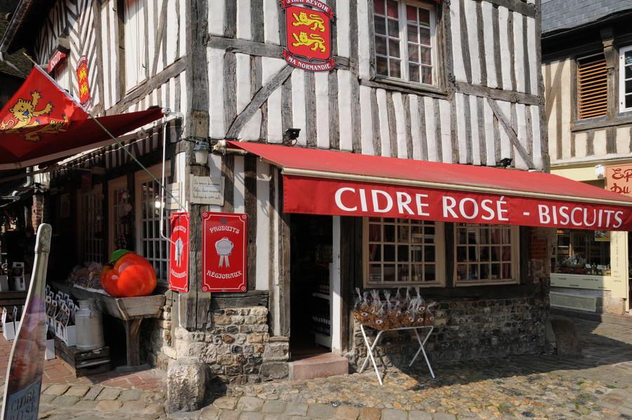 Normandie und Bretagne - Malerische Städte, wilde Küsten und weltbekannte Korsarenstadt St. Malo