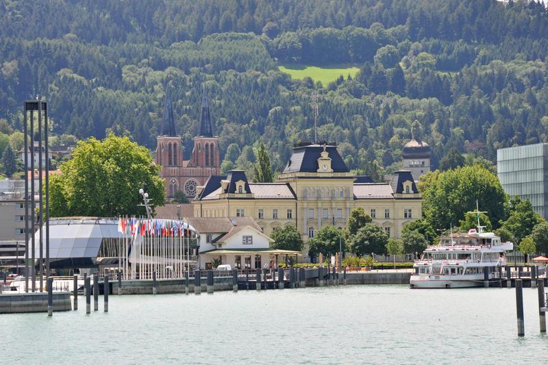 """Bregenzer Seefestspiele - Friedrichshafen am Bodensee mit """"Rigoletto"""" auf der Seebühne"""